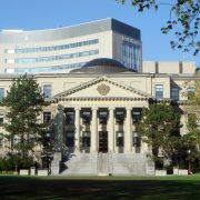 Ottawa Üniversitesi'nin Fransızca Bilen Öğrencilere Tanıdığı Burs İmkanı
